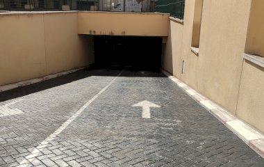 Prenota un posto nel parcheggio Insidehome Plaza de España