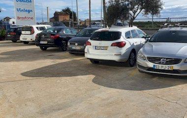Book en plads i Vehicle Storage Faro parkeringsplads