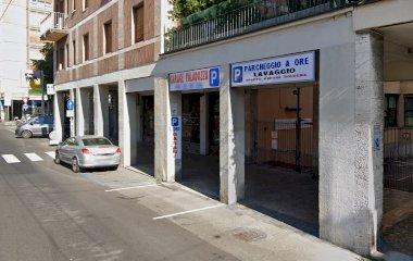 Reservar una plaza en el parking Garage Paladozza
