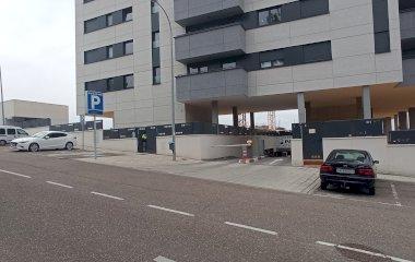 Book a parking spot in Alto de los Curas car park