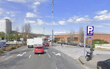 Buch einen Parkplatz im BSM Vall d'Hebron - Sant Genís Parkplatz.