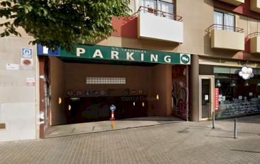 Reserve uma vaga de  estacionamento no NN Travessera de Gràcia - Mercat