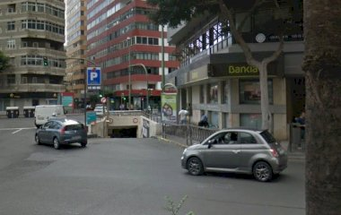 Book a parking spot in SABA Plaza España car park