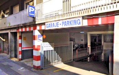 Book a parking spot in Bretón - Gran de Gràcia car park