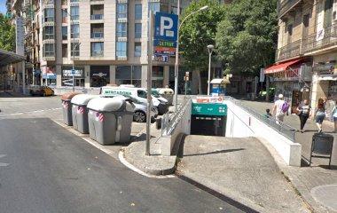 Reserve uma vaga de  estacionamento no SABA BAMSA Urgell - Mercat de Sant Antoni