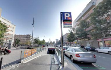 Buch einen Parkplatz im BSM Bilbao-Llull Parkplatz.