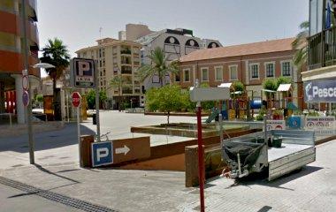 Prenota un posto nel parcheggio Denia - La Vía