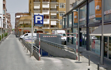 Book a parking spot in Mercado de San Vicente car park