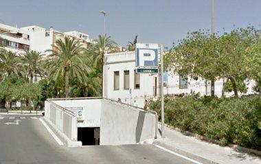 Prenota un posto nel parcheggio López Osaba