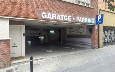 Book a parking spot in La Gleva car park