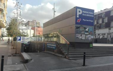Reservar una plaza en el parking Hostafrancs - Plaça Joan Pelegrí