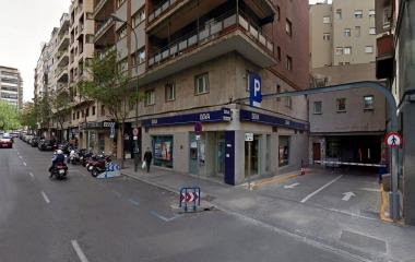 Reservar una plaza en el parking Gayarre - Furgonetas-Vans