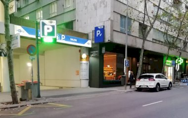 Book a parking spot in APK2 Moscardó car park