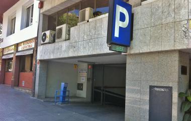 Reservar una plaza en el parking Sicília