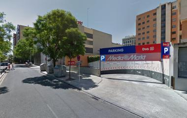 Book a parking spot in INSUR Mirador de Santa Justa car park