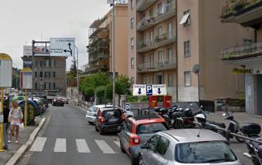 Prenota un posto nel parcheggio Francia