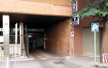 Book a parking spot in Ferrer del Río 14 car park