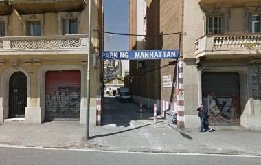 Book a parking spot in Manhattan Turismos - Aragó car park