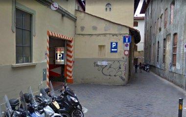 Reserveer een parkeerplek in parkeergarage Sant'Orsola