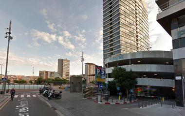 Reserve uma vaga de  estacionamento no Estación de Sants - IMSA
