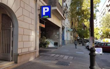 Book a parking spot in Vallehermoso car park
