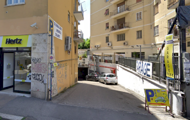 Book a parking spot in Stazione Roma - Circonvallazione Nomentana car park