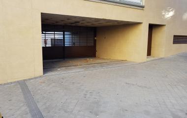 Book a parking spot in Reina Victoria - Hacienda car park