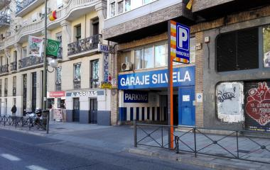 Book a parking spot in Garaje Silvela car park