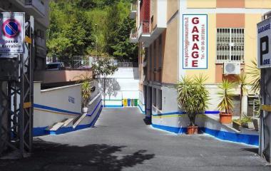 Book a parking spot in Autorimessa Effeffe car park