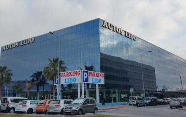 Buch einen Parkplatz im Lido - Puerto de Málaga Parkplatz.