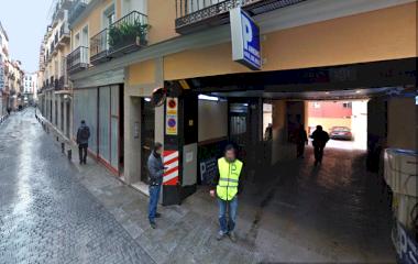 Reserve uma vaga de  estacionamento no Jardines 16 - Centro Madrid - Turismos