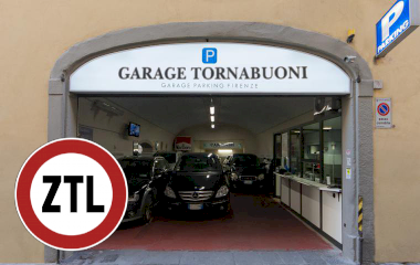 Buch einen Parkplatz im Tornabuoni Parkplatz.