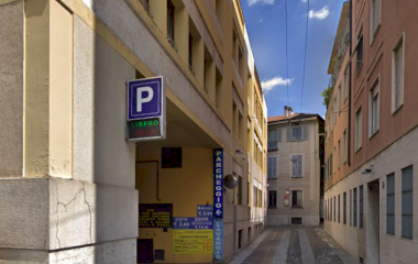 Reservar una plaça al parking Car Central Parking