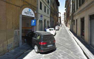 Prenota un posto nel parcheggio Garage Firenze Centro