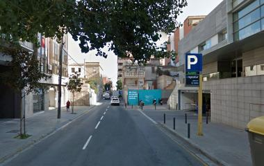 Book a parking spot in El Viver car park