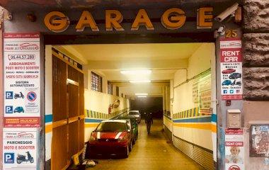 Prenota un posto nel parcheggio Frank Parking