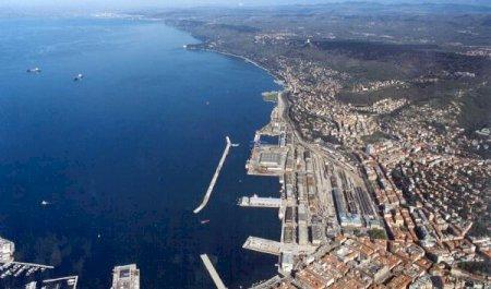 Porto di Trieste , Trieste