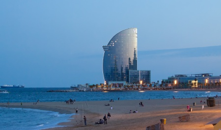 Barceloneta Beach, Барселона