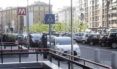 De Angeli, Milan